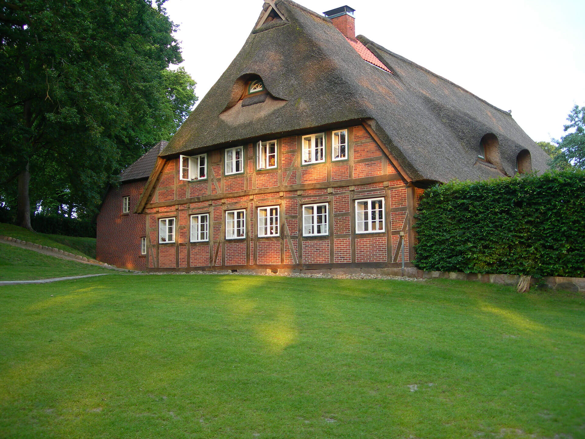riders hotel with guest rooms and apartments in a beautiful landscape near Hamburg