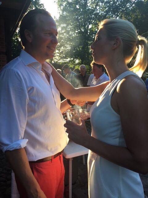 Gastgeber Linda und Patrick auf dem Eröffnungsfest des Heinshofs