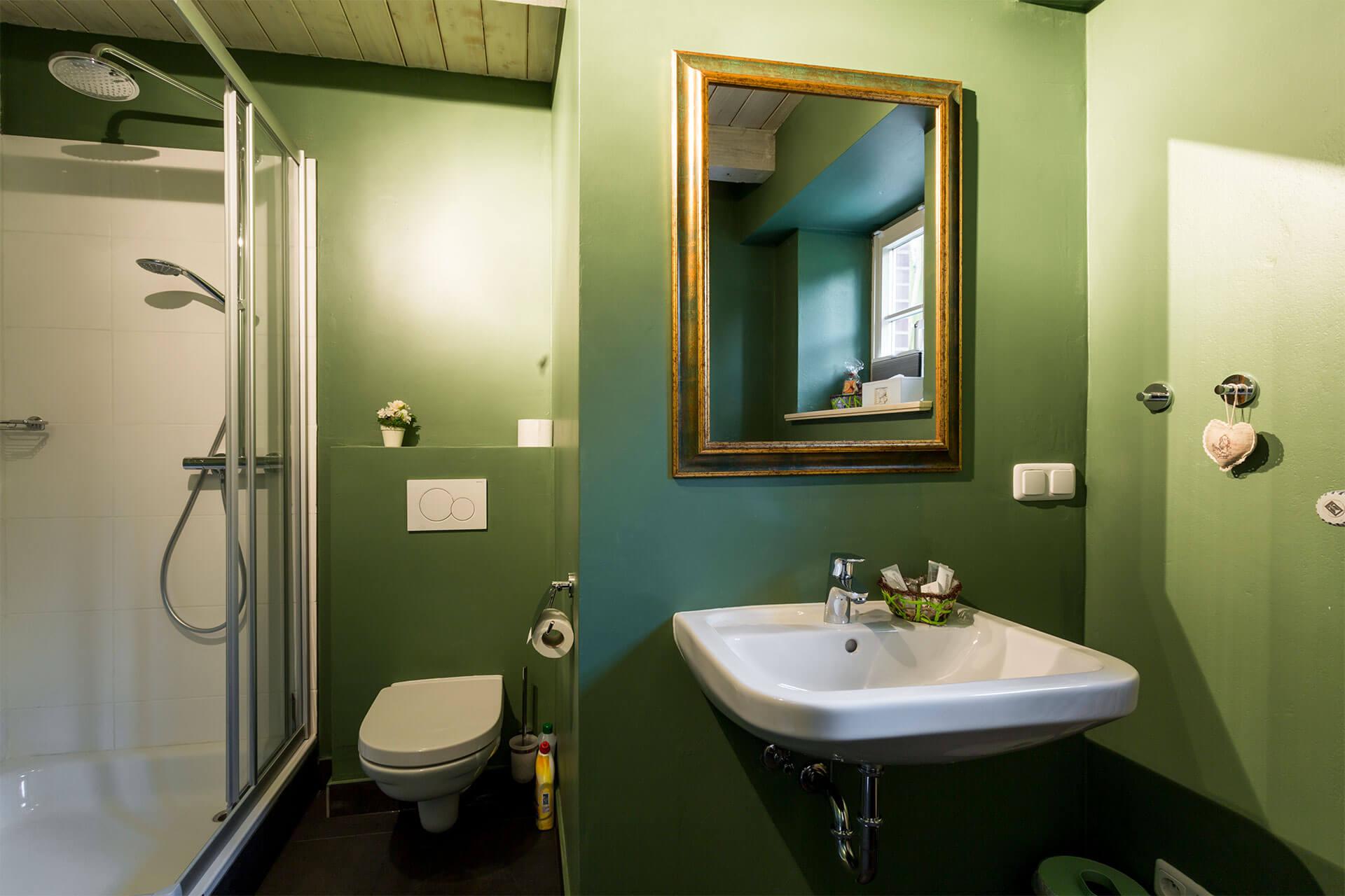 stilvoll ausgestattetes Badezimmer auf dem Heinshof