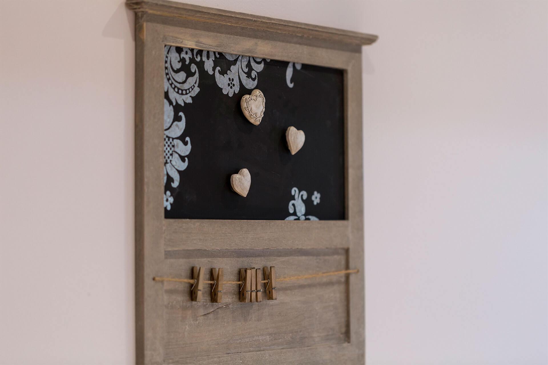 liebevoll ausgewählte Dekoration in den Ferienwohnungen auf dem Heinshof