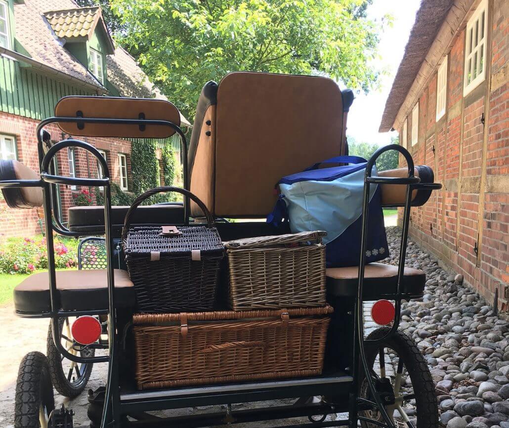 Picknick aus dem Hofladen für einen Ausflug mit der Kutsche